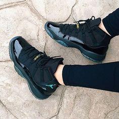 Gamma Best Sneakers, All Black Sneakers, Shoes Sneakers, Women's Shoes, Jordan 11, Jordan Shoes, Nike Vapormax Flyknit, Fly Shoes, Sneaker Art