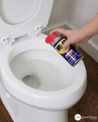 wd 40 uses stains & wd 40 uses ; wd 40 uses cleaning ; wd 40 uses cars ; wd 40 uses hacks ; wd 40 uses shower doors ; wd 40 uses stains ; wd 40 uses cleaning car ; wd 40 uses cleaning how to remove Household Cleaning Tips, Toilet Cleaning, Household Cleaners, Cleaning Recipes, House Cleaning Tips, Diy Cleaning Products, Cleaning Solutions, Cleaning Hacks, Cleaning Toilets