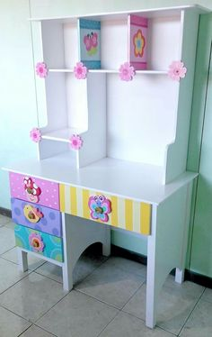 Diy Barbie Furniture, Kids Room Furniture, Furniture Design, Girls Bedroom Storage, Cool Kids Bedrooms, Kids Room Design, Recycled Furniture, Kid Beds, Girl Room