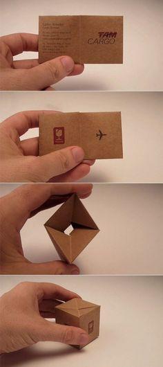 Origami: Cartão de visita que vira caixa - transporte TAM. * Business card that becomes a box. TAM airline transportation.