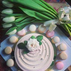 Tender #mousse #cake and #macarons by Ekaterina Vasilieva - #Cakerz http://cakerz.me/p12365  #moussecake #pastry #евроторт #gingerbread_tales #gingerbread #cake #cookies #Пряники #пряникидетям #пряникимосква #торт #тортмосква #тортназаказ #тортназаказмосква #имбирноепеченье #имбирныепряники #макарунсмосква #расписныепряники #decoratedcookies #муссовыйторт #муссовыйтортмосква #katen_artbakery #торты #вкусныйторт #like #макаруны #макаронс #макарони #макаронсмосква #кейкпопсы