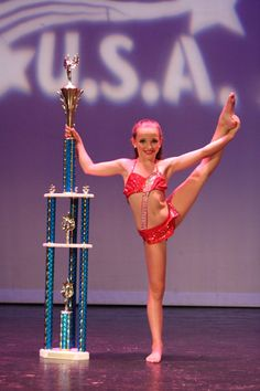 KENDALL!!!!!!!!!!!!!!!!!!!!!!!!!!!!!!!!!!!!!!!!!!!!!!!!!!!!!!!!!!!!!!!!!!!!!! Is amazing too even her mom and Abby lee fight a lot she is this is a good dancer.