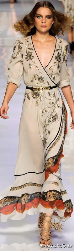 Etro Boho... Love the detail on top and really love the shape and change of the fabrics on the skirting...