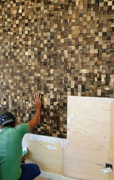 Instale um painel de madeira na parede e mude a cara do ambiente - Casa e Decoração - UOL Mulher