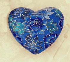 Blue Cloisonne Heart with Gold Inlay. I Love Heart, Key To My Heart, Happy Heart, Heart Art, Love Blue, Love Symbols, Enamel Jewelry, My Favorite Color, Shades Of Blue