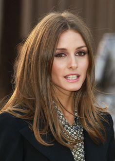 Olivia Palermo Photos - Olivia Palermo attends the Burberry Prorsum show during London Fashion Week Fall/Winter at on February 2013 in London, England. - Burberry Prorsum - Arrivals - LFW F/W 2013 Blonde Hair With Highlights, Brown Blonde Hair, Light Brown Hair, Brunette Hair, Olivia Palermo Hair, Straight Eyebrows, Corte Y Color, Hair Day, Gorgeous Hair