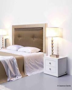 Dormitorio dorado en pinterest sillas doradas - Dormitorios dorados ...