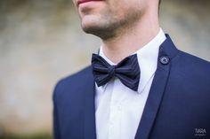 tenue et noeud papillon marie - Mariage homme - Tiara Photographie - La Fiancée du Panda Blog Mariage & Lifestyle