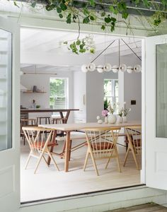 A Hamptons Beach Retreat Gets a Scandinavian-Style Makeover - Dwell