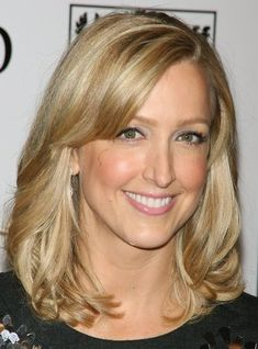 I <3 Lara Spencer`s hair and highly considering soing my hair likr this in the fall