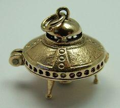 Flying Saucer UFO Charm   Sandys Vintage Charms   Astronomy ...