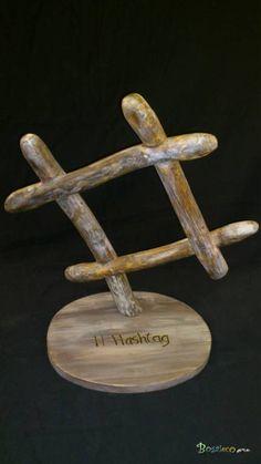 """Hashtag / Apercu n 1 Sculpture représentant un """"Hashtag"""" en bois de branches flottées en hommage à la dénomination des mots-clés des réseaux sociaux. Geek Sculpture !  Bois : Branches de bois flottées retaillées. Finition à l'huile de Lin.  Dimensions : Hauteur : 44 cm Largeur : 42 cm Profondeur : 26 cm 53,00 €"""