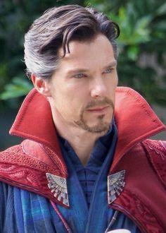 Benedict Cumberbatch as Doctor Strange Zane Holtz, Marvel Dc Comics, Marvel Heroes, Marvel Avengers, Marvel Cosplay, Marvel Costumes, Marvel Characters, Marvel Movies, Marvel Actors