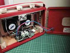 Before and After: Vintage Radio with Raspberry Pi