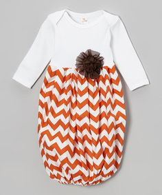 Custom size Boutique Baby layette wholesale gown shower chevron ruffle NEWBORN INFANT fall shower first pictures home outfit