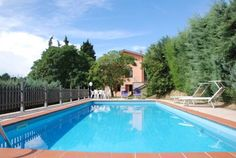Villa L'Olivella Massarosa Situated 12 km from the sandy beaches of Versilia, Villa L'Olivella offers accommodation featuring a private pool and a shaded patio with an outdoor dining area. Massarosa is a 10-minute drive away.