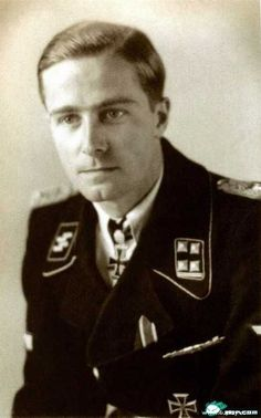 SS-Sturmbannführer  Jochen Peiper