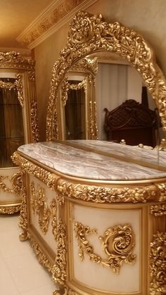 Royal Furniture, Classic Furniture, Unique Furniture, Home Decor Furniture, Luxury Furniture, Princess Bedrooms, Glam House, Classic House Design, Antique French Furniture