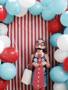 Diy circus photo booth