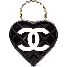 Chanel Vintage logo heart clutch ($7,726) ❤ liked on Polyvore featuring bags, handbags, clutches, chanel, black, chanel purse, patent leather handbags, quilted purses, vintage clutches and quilted chain purse