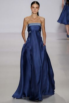 Absolutely head over heels for this blue gown by Pamella Roland - Spring 2015 RTW