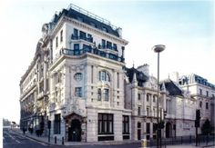 Located in the City of London, The Vintners Hall is available for hire and can cater for up to 150 people dining guests, and receptions for up to 240 guests upon request.