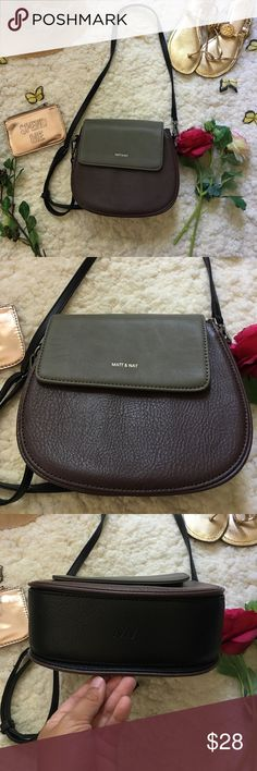 ❤Matt & Nat Crossbody Purse❤ ❤In excellent used condition Matt & Nat Crossbody purse❤Used only once❤Has 3 compartments and a side pocket❤Color block colors are maroon, dark grey, and black colors perfect for fall❤Please see all photos❤ Matt & Nat Bags Crossbody Bags