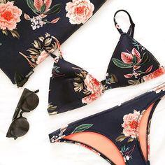 The Delilah Bikini Midnight Blue Florals 'Fiore Nero'  @freudenzeit