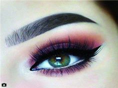 Get creative and try halo eye makeup