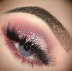 glitter ideas pink eyes make blue for up Pink glitter eyes make up ideas for blue eyesYou can find Pink eye makeup and more on our website Prom Eye Makeup, Makeup Eye Looks, Eye Makeup Art, Pink Makeup, Cute Makeup, Glam Makeup, Eyeshadow Makeup, Hooded Eye Makeup, Pink Eyeshadow