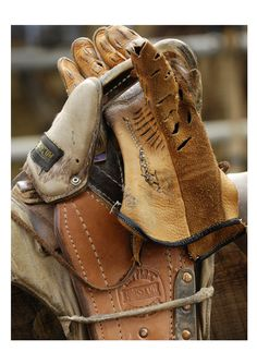 Bronc Riding Tools of the trade, where were pads like that when I rode? Cowboy Gear, Cowboy And Cowgirl, Cowboy Hats, Rodeo Cowboys, Cowboys And Indians, Star Trek Crew, Bareback Riding, Rodeo Life, Bull Riding