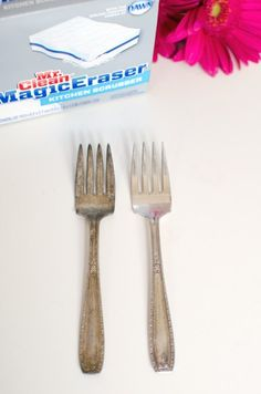 20 crazy Magic Eraser uses you didn't know about! There are so many uses Magic Eraser beyond basic household cleaning tasks. Simplify your cleaning with these easy deep cleaning hacks you'll be so happy you learned. Best Cleaning Products, Deep Cleaning Tips, Household Cleaning Tips, House Cleaning Tips, Spring Cleaning, Cleaning Hacks, Kitchen Cleaning, Cleaning Recipes, Cleaning Supplies
