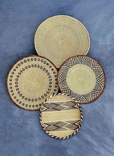 Handwoven Binga Baskets for African Wall Decor. #MothersDayGift #BatongaBasket #BohemianWallDecor #AfricanWallBasket #TribalWallDecor #BeigeWallBasket #HandwovenBasket #HandwovenWallDecor #BohemianWallBasket #HandmadeWallBasket Above Bed Decor, Bohemian Wall Decor, Baskets On Wall, Unique Gifts, Hand Weaving, Handmade Items, African, Room Kitchen, Crafts