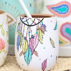 Clay Pot Crafts, Diy And Crafts, Arts And Crafts, Painted Plant Pots, Painted Flower Pots, Z Craft, Pots D'argile, Sharpie Paint, Flower Pot Design