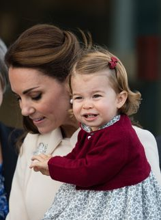 Catherine Duchess of Cambridge and Princess Charlotte of Cambridge depart Victoria on October 1 2016 in Victoria Canada