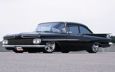 Custom Rodder car feature on the Bobby Lowe 1959 Chevy Biscayne