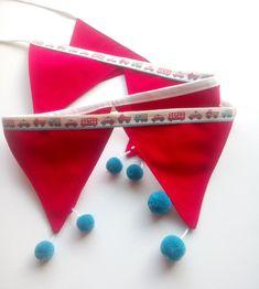 Γιρλάντα με Υφασμάτινα Σημαιάκια.!Έχει 8 κόκκινα σημαιάκια ραμμένα σε λευκή κορδέλα φάσα συνολικού μήκους 2,05 cm Το κάθε σημαιάκι -τριγωνάκι είναι 13 x 15 cm και στο κάτω μέρος τους έχει Pom Pon απο κασμίρ σε υπέροχο πετρόλ χρώμα !! Boy Room, Our Love, Kai, Children, Boys, Young Children, Baby Boys, Kids, Senior Boys