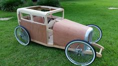 More soapbox progress Soap Box Derby Cars, Soap Box Cars, Soap Boxes, Wooden Car, Wooden Toys, Dirt Bike Room, Dirt Bikes, Kids Wagon, Diy Go Kart