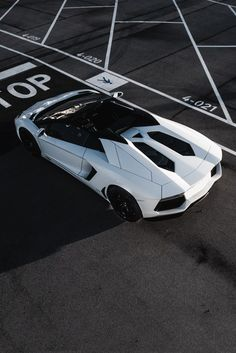 Lamborghini Aventador Keep The Glamour ♡ ✤ LadyLuxury ✤ Ferrari, Lamborghini Aventador Roadster, Porsche, Audi, Luxury Sports Cars, Aston Martin, Automobile, Sweet Cars, Amazing Cars