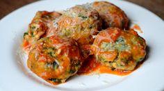 INGREDIENTES/ALIMENTOS · 2 atados de espinaca· 100 gr de ricota magra· 1 huevo· 100 gr de harina· 750 gr de tomates perita maduros· 1 diente de ajo· Hojas de albahaca· 1 cda de aceite de oliva· ...