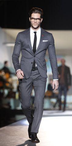 Great color for G... no cuffs on pants, & perhaps cut a little less Daniel Craig 007 ;)