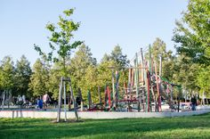Spielplatz Weinbrennerplatz mit Kids in Karlsruhe: https://mitkids.in/karlsruhe/tipps/spielplatz-weinbrennerplatz
