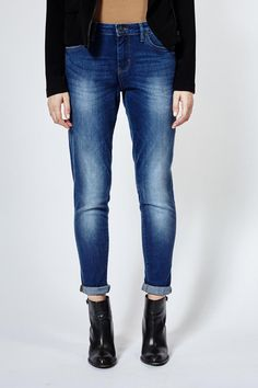 These jeans have a textured, brushed blue colour that provides a unique look. Featuring an articulated rise, busted side seams and performance stretch capabilities, these jeans are perfect for a casual weekend in or a night out on the town. Fit Relaxed through the hip and thigh, tapered from knee to leg opening. Possible double rolled cuff for added style.These hollow fibres also act as an insulator to keep the wearer warmer when it is cold. It is 30% lighter and stronger than traditional…