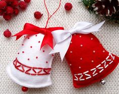 Browse unique items from CuteGiftsAndCrafts on Etsy, a global marketplace of handmade, vintage and creative goods. Diy Felt Christmas Tree, Cheap Christmas Gifts, Felt Christmas Decorations, Christmas Ornament Sets, Christmas Sewing, Felt Ornaments, Christmas Art, White Christmas, Felt Crafts