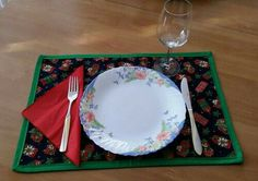#christmas #placemat #bernina Plates, Placemat, Tableware, Kitchen, Christmas, Handmade, Crafts, Licence Plates, Xmas