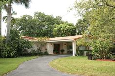 3 BE/2 and 2.5 BA $895,000