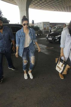 Simple Outfits, Trendy Outfits, Girl Fashion, Fashion Outfits, Womens Fashion, Airport Style, Airport Fashion, Alia And Varun, Overalls Outfit