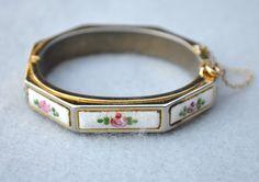 Guilloche Hinged Bangle Bracelet Vintage #Vintage #Jewelry #Fashion #GiftForHer #GuillocheBracelet #FloralGuillocheHingedBangle #MidCenturyBracelet #HingedBangle