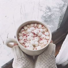 Winter Coffee, Winter Days, Winter Activities, Snow, Snowboard, Snug, Winter Clothing, Winter Warmth, Winter Inspo, Cabin in the woods, White Christmas, Fireplace