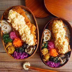いいね!643件、コメント12件 ― CHIKAさん(@xxxxchikaxxxx)のInstagramアカウント: 「今日のお弁当🍱 *. チキン南蛮おべんでおはようございます♡ ジンジャーレモンタルタルた〜っぷりのハイカロリーおべん🙊💓 カロリーなんて気にしなーい👻💛 *. 昨日は試験の合格発表……」 Around The World Food, Japanese Lunch Box, Bento Box Lunch, Cobb Salad, Foods, Drawing, Drinks, Happy, Studying